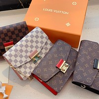 Louis Vuitton LV CROISETTE Chain Woc Shoulder bag