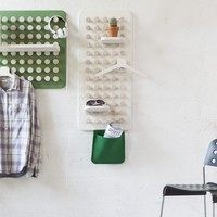 Shelving System with Coat Hangers | Manolo