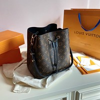 Louis Vuitton LV Monogram Handbag Shoulder Bag Bucket bag
