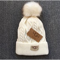 UGG Fashion Autumn Winter Warm Women Men Leisure With Small Ball Wool Thick Knit Hat Cap White