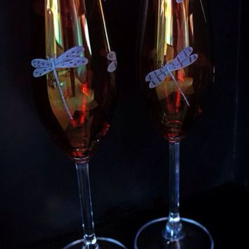 Red Toasting champagne flutes