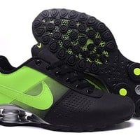 Nike AIR Shox OZ running  sneaker black/green