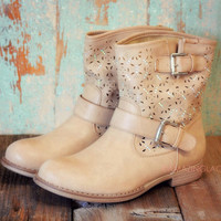 SZ 5.5 Last Stand Khaki Cutout Ankle Boot