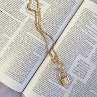 On Lock Gold Chain Clasp and Lock Necklace