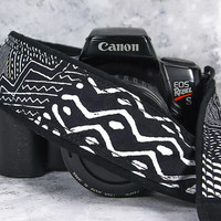 Camera Strap,  Black and White Tribal, dSLR, SLR, Geometric, Pocket, Canon, Nikon, Photography Gift, 174 www