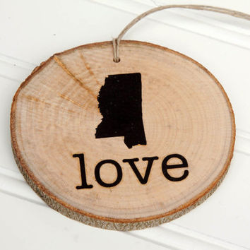 Mississippi Love state shape Maple wood slice ornaments Set of 4 .  Wedding favor, Bridal Shower, Country Chic, Rustic, Valentine Gift