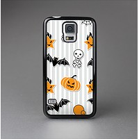 The Halloween Icons Over Gray & White Striped Surface  Skin-Sert Case for the Samsung Galaxy S5