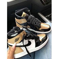 NIKE Air Jordan 1 Mid AJ1 Joe a black gold second floor casual shoes basketball shoes