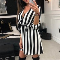 Fashionable new women's wear striped V-neck loose tie casual dress