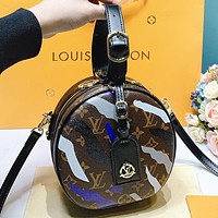 Hipgirls Louis Vuitton LV Fashion New leather shopping leisure round  shoulder bag crossbody bag handbag