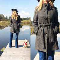 Vintage TWEED Wool Coat || Belted Dark Grey Black And White Peacoat || Size Small