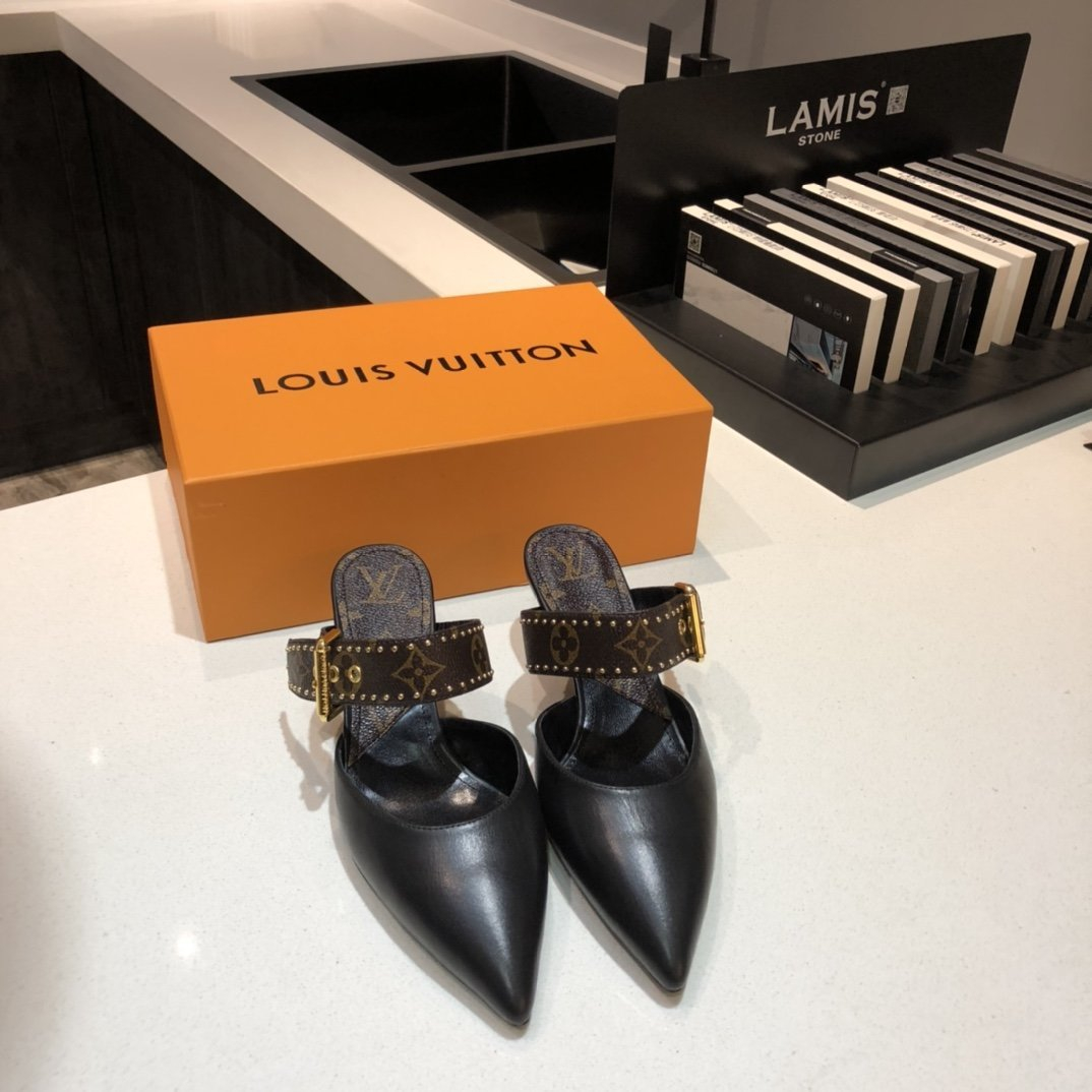 Image of LV Louis Vuitton  Women Casual Shoes Boots fashionable casual leather12