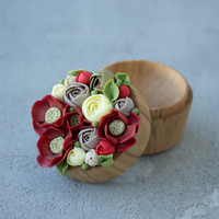 Red Yellow Ranunculus Poppy Flower Ring Box Wooden Round Decorated Engagement Ring Holder Ring Case Wedding Bridal Birthday Gift Decor
