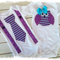 BOY GIRL Twin OUTFIT-Brother Sister Tie and Owl Applique Set-Twin Baby Shower Gift-Option to Add Name-Twin Photo Props