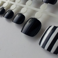 50% off >>Clearance<< 2 Sets/spines of 12 each Artificial Black hand painted Press on TOE nails with Black & White Striped Accent toe Nail
