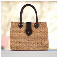 Handwoven straw tote, picnic tote, straw purse with leather straps, (Mackenzie tote)