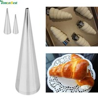 DCCKU7Q 3Pcs Stainless Steel Cake Nozzles Baked Croissants DIY Horn Baking Cake Icing Piping Nozzles Tips Cake Decorating Tools
