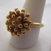 Gold Avon Signed Vintage Sea Urchin Ring Size 7