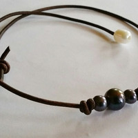Quality Guaranteed 3 Peacock Pearls on AA Leather choker/necklace
