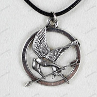cheap necklace --Ancient Bronze Hunger Games pendant necklaces-best chosen gifts  N143