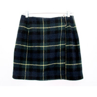 90's High Rise Plaid mini skirt size - S/M