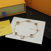 lv louis vuitton woman fashion accessories fine jewelry ring chain necklace earrings 94
