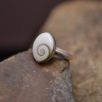 Sterling Silver Shiva Shell Inlaid Ring