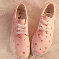 Japanese strawberry canvas shoes