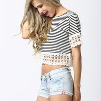 Short sleeved Hollowed Lace Trim Striped Crop Top
