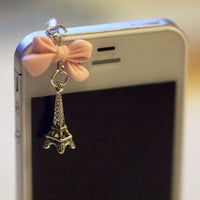 Kawaii MIni Eiffel Tower with LIGHT PINK by fingerfooddelight