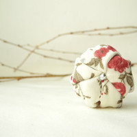 Romantic fabric flower ring beige red - ready to ship