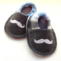 Baby Boy Mustache Shoes Infant Crib Shoes Slippers Gray Blue Plaid Felt Fleece Booties 0 3 6 9 months Baby Booties