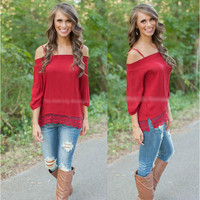 Red Harness Collar Lace Stitching Sleeve T-Shirt