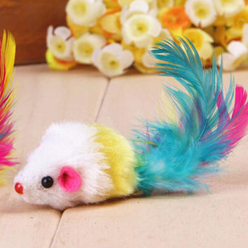 Cat toy mouse with feathers