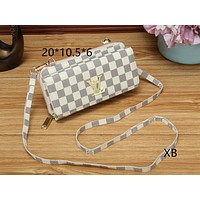 LV Louis Vuitton 2018 new classic checkerboard print shoulder bag Messenger bag White plaid