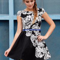 Cassie Cap Sleeve Floral Dress (Black/White)