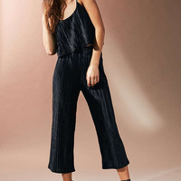 UO Pleated Velvet Cropped Two-Piece Set | Urban Outfitters