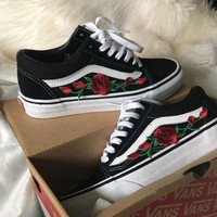 VANS Tide brand rose embroidery low cut canvas shoes skate shoes