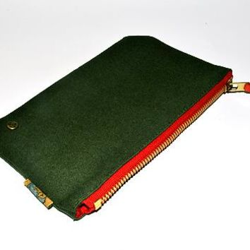 Quincy Clutch (Olive Drab)