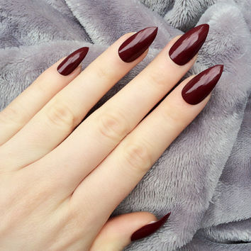 Doobys Stiletto Nails - Deep Red Gloss / Gel Look - 24 Claw Point False Nails